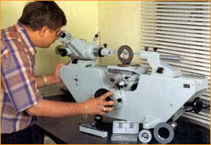 Inspection Facilities, Floating Carriage Micrometers, Important
